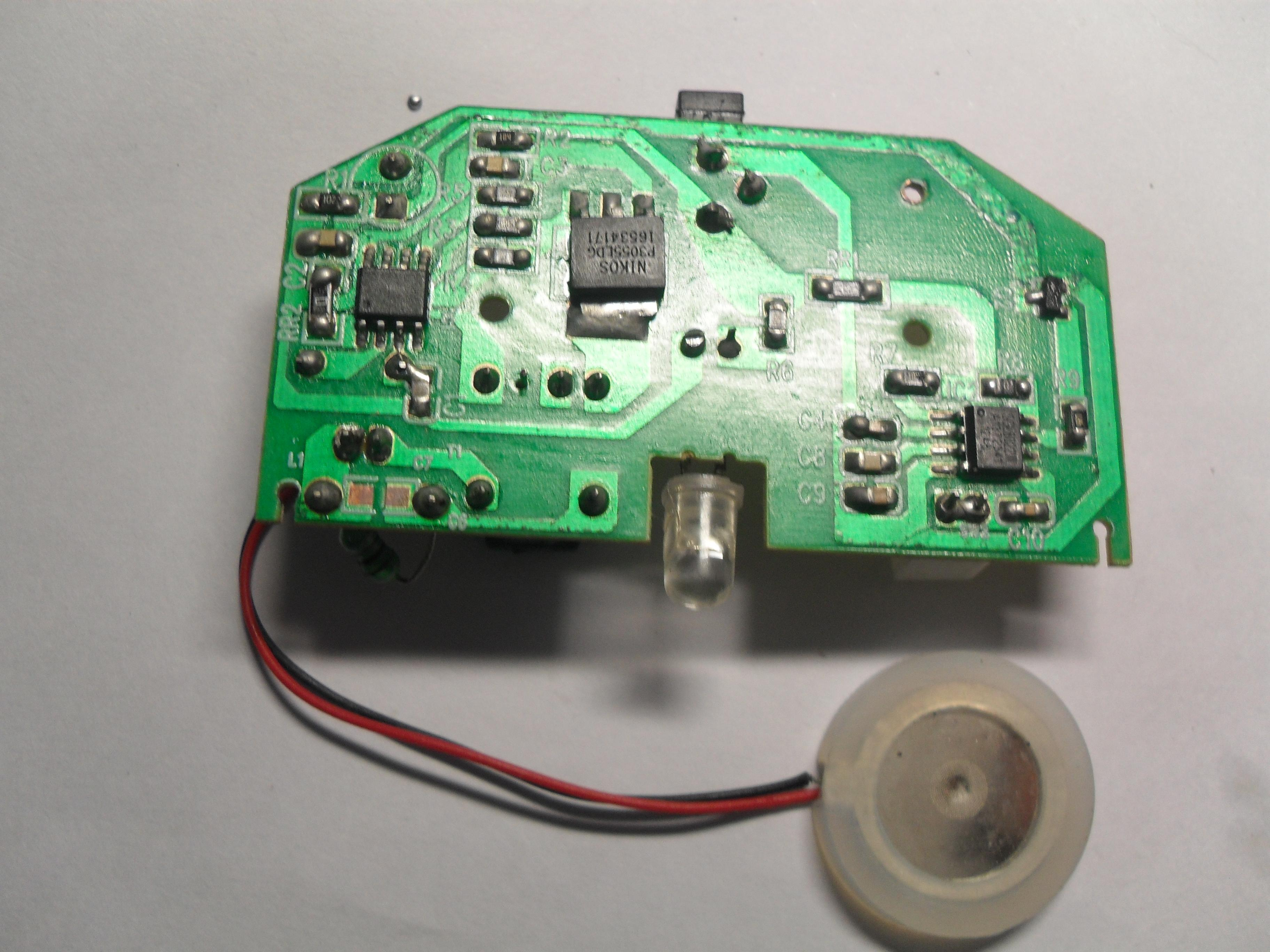 支持   二,超声波雾化器原理: 超声波雾化器利用电子高频震荡(振荡